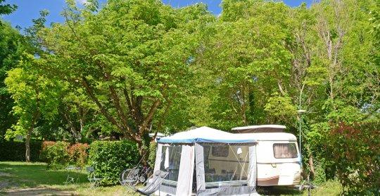 emplacement camping caravane moustiers verdon