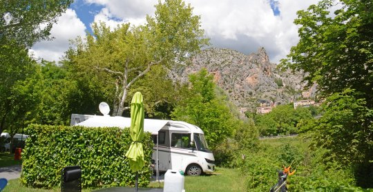 emplacement camping car moustiers verdon