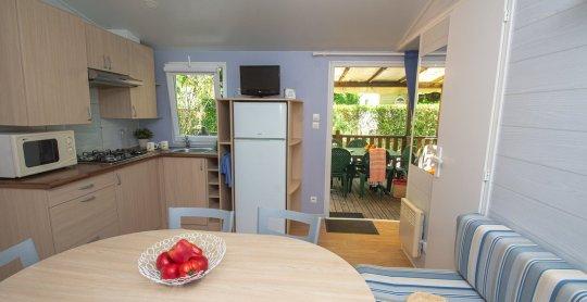 coin cuisine et vue terrasse
